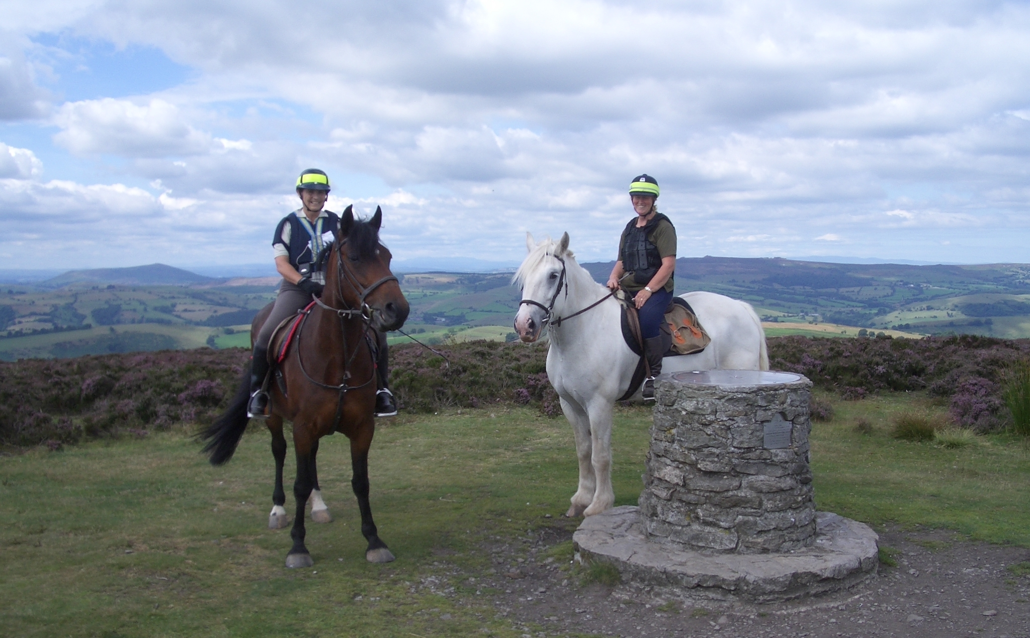 2 horse riders on Mitchels Fold